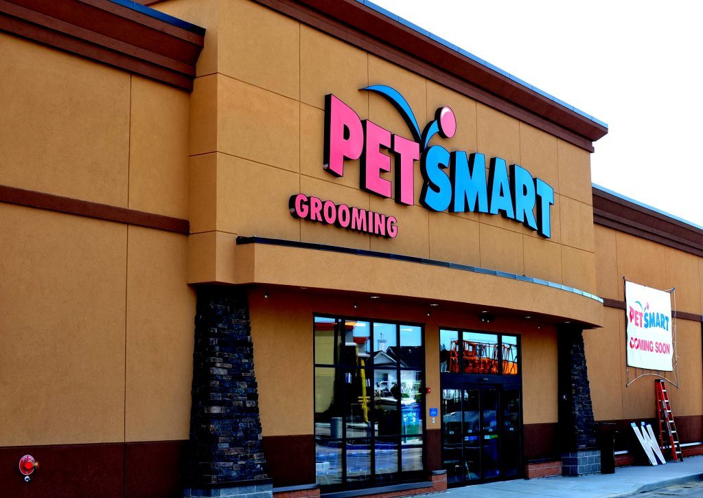 PetSmart Doggie Day Camp has requirements for the health and safety of pets in our care. Having up to date vaccinations, dietary needs, exercise restrictions or required medications for our day care guests help us provide the best experience for your dog.